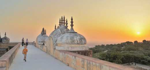 Experience the Rich Culture through Golden Triangle Tour Packages